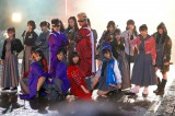 HKT48 feat.氣志團「しぇからしか!」より(C)AKS