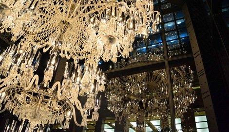 恵比寿ガーデンプレイスのクリスマスイベント『Baccarat ETERNAL -歓びのかたち-』には、今年もバカラの巨大シャンデリアが登場 (C)oricon ME inc.