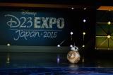 映画『スター・ウォーズ/フォースの覚醒』の新キャラクター・BB-8が日本初登場