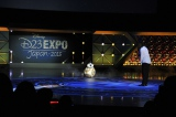 『D23 Expo Japan 2015』で映画『スター・ウォーズ/フォースの覚醒』のプレゼンテーションに登場したBB-8