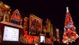"""USJが13日よりスタートする「ユニバーサル・ワンダー・クリスマス」で披露される""""世界一""""のクリスマスツリー (C)oricon ME inc."""