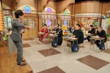 生徒として出演する元モーニング娘。の保田圭は鶴久の激白に共感しきり。森口博子は涙が止まらず…(C)テレビ朝日