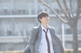 『通学シリーズ 通学電車』に出演する吉沢亮