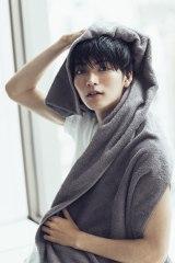『仮面ライダーゴースト』出演中の山本涼介が初のカレンダーを発売