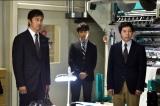 TBS系ドラマ『下町ロケット』第6話(11月22日放送)より。佃製作所に舞い込んできた新たな依頼とは…(C)TBS