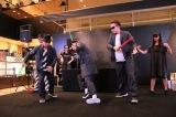 デザイナーとダンスチームのコラボレーションによるショー
