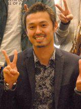 舞台初挑戦に笑顔とピースで意気込んでいた今井洋介さん(2015年4月撮影) (C)ORICON NewS inc.