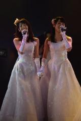 (左から)村山彩希、小嶋真子=高橋朱里チーム4『夢を死なせるわけにいかない』公演初日 (C)ORICON NewS inc.