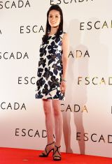 ESCADA 2016SSファッションショー シースルーワンピースで登場した荒川静香 (C)oricon ME inc.