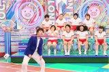 12月8日放送、テレビ朝日系『ロンドンハーツ』は新企画「動けるおデブ女王決定戦!」(C)テレビ朝日