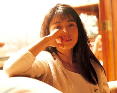 デビュー25周年記念日にオールタイムベストアルバムを発売するZARD・坂井泉水さん
