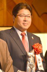 『平成27年(第44回)ゆうもあ大賞』贈呈式に出席したヤクルトスワローズ・真中満監督 (C)ORICON NewS inc.