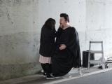 マツコロイドがNHKの新春スペシャルドラマ『富士ファミリー』(1月2日放送)に出演。人間の出演者と同じようにメイクをして準備(C)NHK