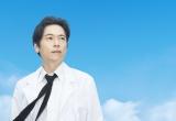 2011年に放送された『連続ドラマW 下町ロケット』で主演を務める三上博史 (C)WOWOW