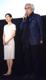 映画『母と暮せば』大ヒット御礼イベントに出席した(左から)吉永小百合、山田洋次監督 (C)ORICON NewS inc.