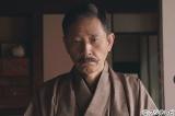1月3日にフジテレビ系で放送される、嵐・二宮和也主演の新春ドラマスペシャル『坊っちゃん』に出演する小林薫