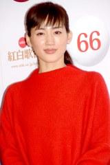 『第66回紅白歌合戦』で紅組司会を務める綾瀬はるか (C)ORICON NewS inc.