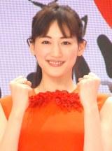 『第66回NHK紅白歌合戦』の紅組司会を務めた綾瀬はるか (C)ORICON NewS inc.