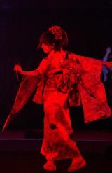 自身初の年越しライブで初の振袖姿を披露したaiko(写真:岡田貴之)