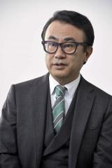 """「時代を作った人よりも、時代から取り残された""""敗者""""の人生に興味がある」と語る三谷氏(C)NHK"""