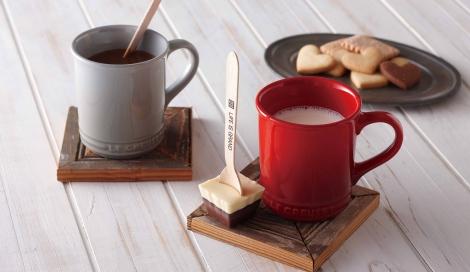 ル・クルーゼジャポンが初めて展開する、マグカップとチョコレートのバレンタインセット