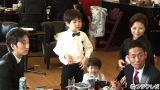 2016年元旦新年会(左から)七之助、七緒八、哲之、勘九郎(手前)、前田愛(奥)