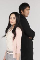 金曜ナイトドラマの最初のヒットとなった『TRICK』で主演した仲間由紀恵と阿部寛