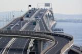 高速道路を運転する際は特に注意が必要。NG行為をしっかり頭に入れておこう