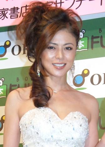 白ドレス武田久美子20