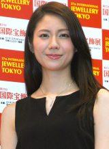 『第27回 日本ジュエリー ベストドレッサー賞』を受賞した松下奈緒 (C)ORICON NewS inc.