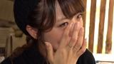 2月3日放送、テレビ東京系『今 知っておきたい 世界のキケン地帯に住む人々』タイで人身売買の被害者女性の話に号泣する高橋みなみ(C)テレビ東京