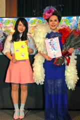 映画『プリパラ』公開アフレコを行った(左から)川栄李奈、デヴィ夫人 (C)ORICON NewS inc.