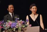 司会を務めた(左から)浅野忠信、安藤サクラ
