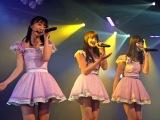 (左から)宮脇咲良、入山杏奈、小嶋陽菜=AKB48チームA7th『M.T.に捧ぐ』公演初日より(C)ORICON NewS inc.