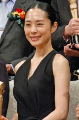 『2015年 第89回キネマ旬報ベスト・テン』で主演女優賞を受賞した深津絵里 (C)ORICON NewS inc.