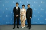 『第66回ベルリン国際映画祭』のフォトコールに登場した(左から)西島秀俊、竹内結子、香川照之 (C)2016「クリーピー」製作委員会