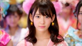 AKB48の10周年記念シングル「君はメロディー」(3月9日発売)MVより宮脇咲良