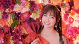 AKB48の10周年記念シングル「君はメロディー」(3月9日発売)MVより卒業生の篠田麻里子