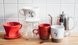 「スヌーピーミュージアム」内で販売される、老舗コーヒー器具メーカー「Kalita」とのコラボアイテム (C) Peanuts Worldwide LLC