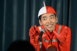 NHK・BSプレミアム『初恋芸人』第1話より。怪獣マニア芸人、佐藤賢治(柄本時生)(C)NHK