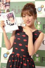 『たかみな撮!AKB48卒業フォト日記「写りな、写りな」』発売記念イベントを行った高橋みなみ (C)ORICON NewS inc.