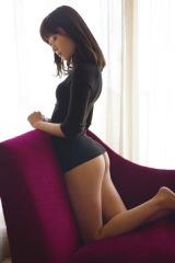 写真集『スキャンダル中毒』(22日発売)でノーパンで撮影された指原莉乃の美尻カット(撮影:細居幸次郎)