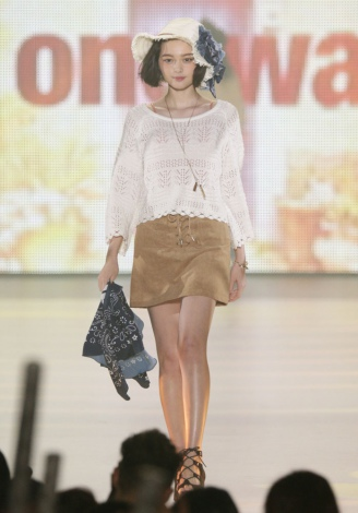 『KANSAI COLLECTION 2016 SPRING&SUMMER』ステージを飾った玉城ティナ
