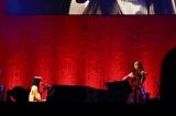 miwaと宮本笑里2人の演奏だけで「片想い」を披露 Photo by 佐藤 薫