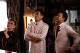 石原裕次郎邸のテレビ初公開の部屋には何が!?(左から)石原まき子夫人、中山秀征、石原良純(C)KBC