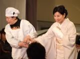 左手首骨折…樹木希林にリードされて登壇した吉永小百合=『第39回日本アカデミー賞』授賞式 (C)ORICON NewS inc.