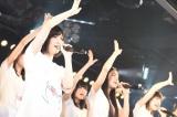 国内5ヶ所の劇場で東日本大震災復興支援特別公演を行ったAKB48グループ(C)AKS