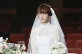 NHK・BSプレミアムで放送中のドラマ『初恋芸人』でウエディングドレス姿を披露する松井玲奈(C)NHK