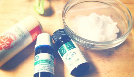天然塩とチャック付きの小分け袋、精油があればOK!なアロマバスソルトの作り方を伝授 (C)oricon ME inc.