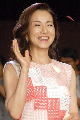 さわやかな笑顔の原田美枝子